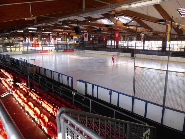 Walter Maack Eisstadion
